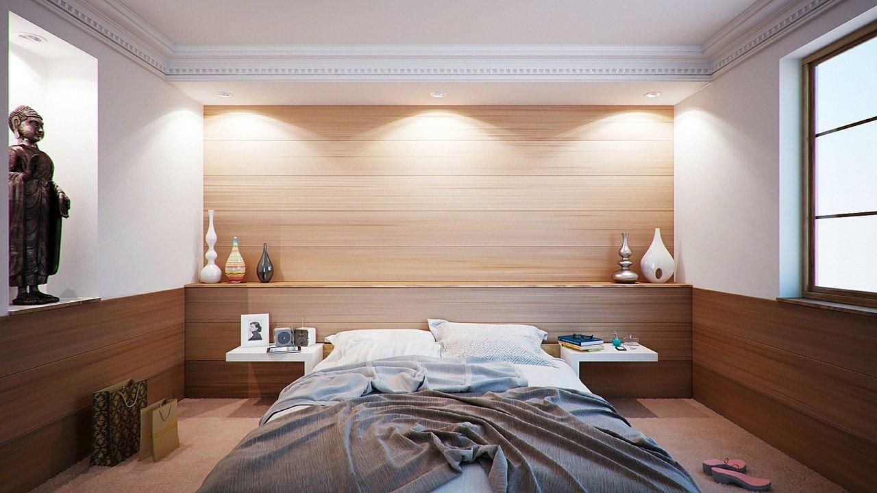 bedroom-416062_1280 Виды и варианты лепнины на потолке